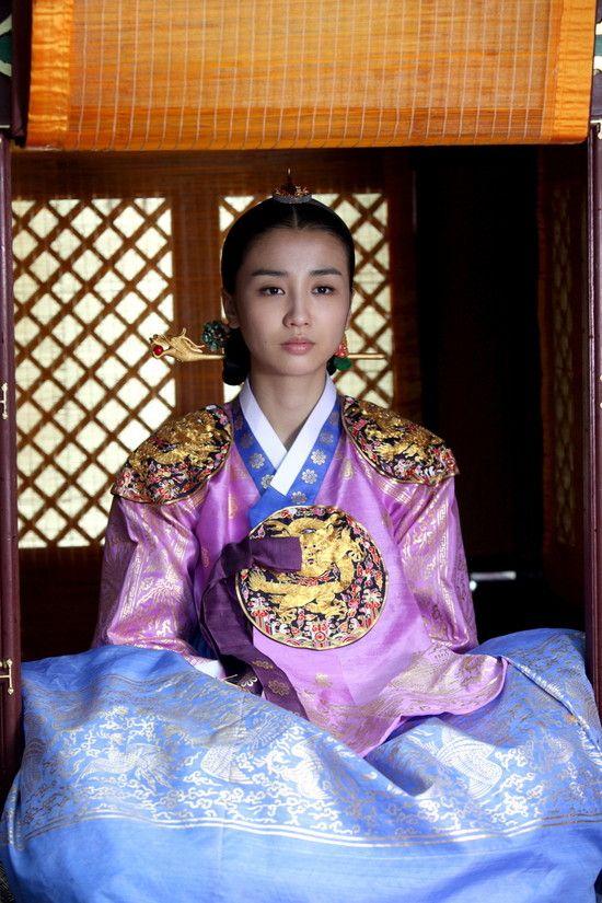 korean drama dong yi ������ ���� queen inhyeon �����