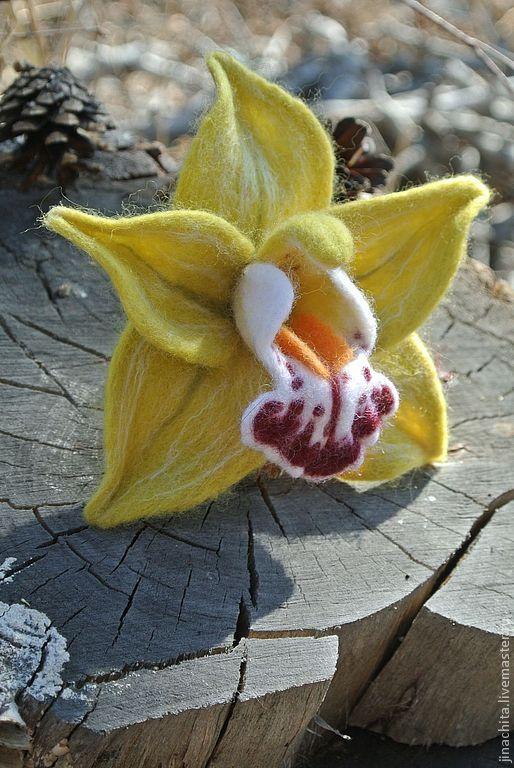 Купить Брошь из войлока Орхидея Цимбидиум зеленый - зеленый, цимбидиум, орхидея цимбидиум, орхидея войлочная