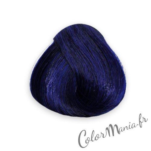 Le bleu le plus intense de la gamme! La coloration cheveux Bleu Minuit (Midnight Blue en V.O) est un très beau bleu sombre, qui donnera à vos cheveux une brillance et une luminosité incroyables !  Devient bleu pâle en s'affadissant, avec de légers reflets verts si vous l'appliquez sur base non décolorée.