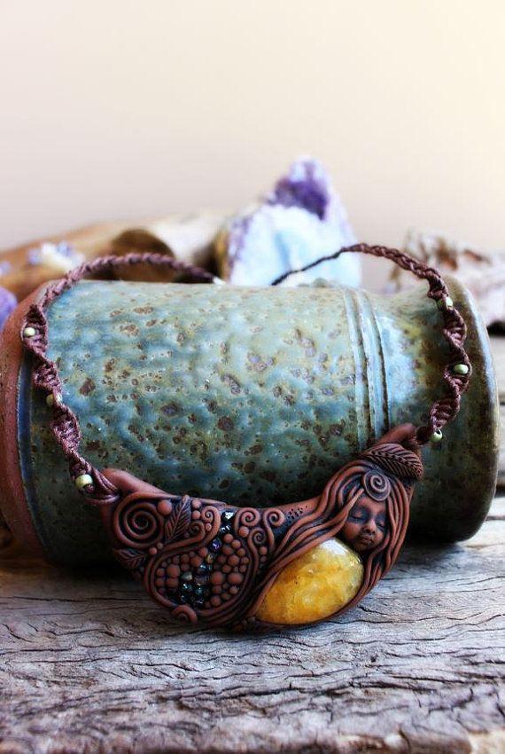 Goddess Necklace: Yellow Quartz Crystals and Titanium Druzy - by TRaewynJewelry on Etsy