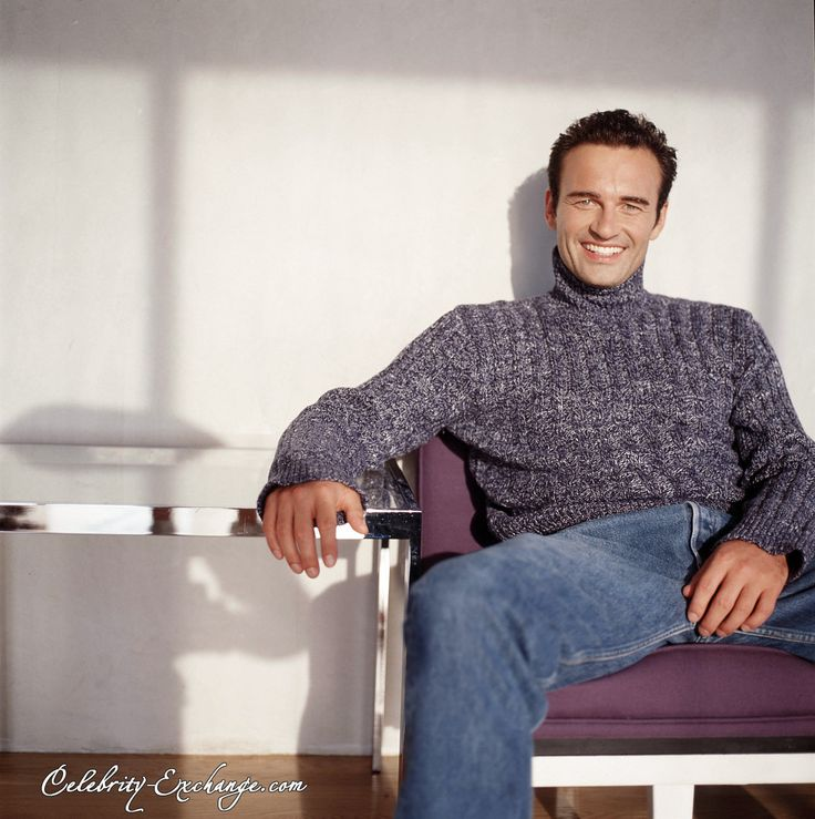 Julian McMahon http://whymattress.com/lamzac-hangout-reviews/