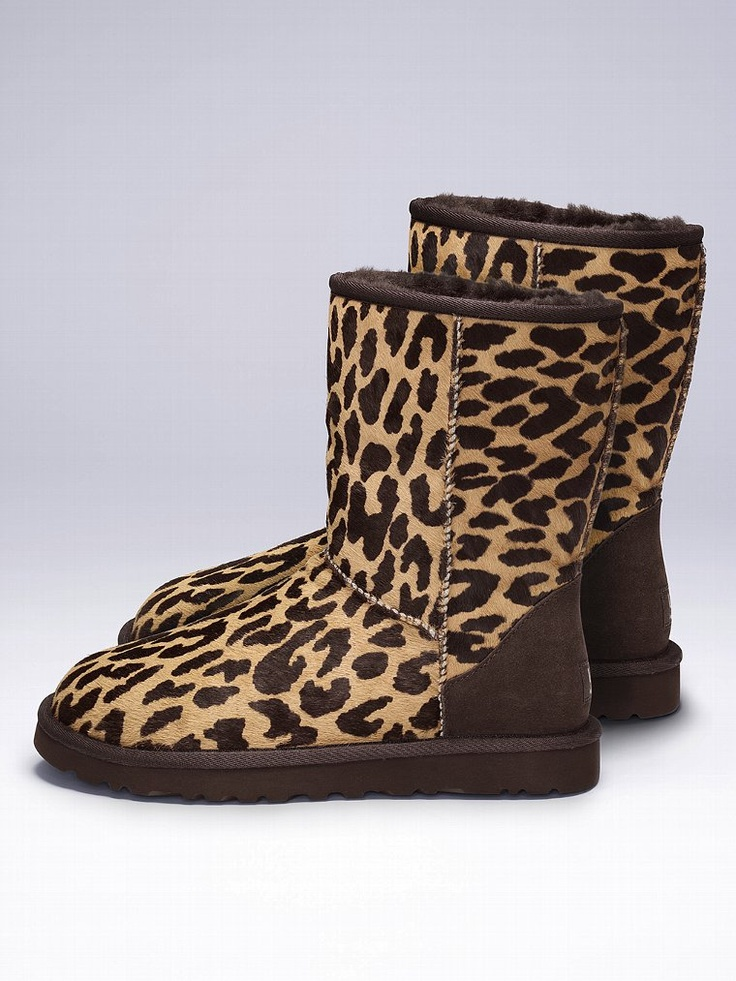 Classic short animal print boots. UGG's♥