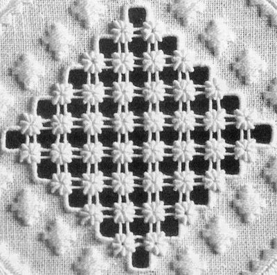 Punto Antico - each cluster has 8 bullion knots! - on Italian Needlework blog