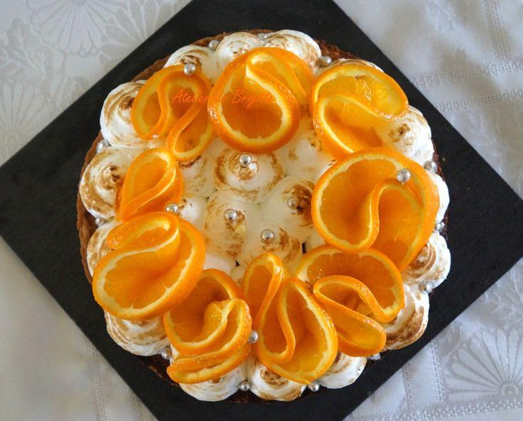 Il y a peu de temps, en me baladant sur le net, je suis tombé sur le site de la Sucrière, établissement pâtissier à Bordeaux. Ce qui m'a marqué en 1er, c'est la photo qu'ils ont mis en avant... une tarte à l'orange meringuée, de toute beauté. J'ai aussitôt...