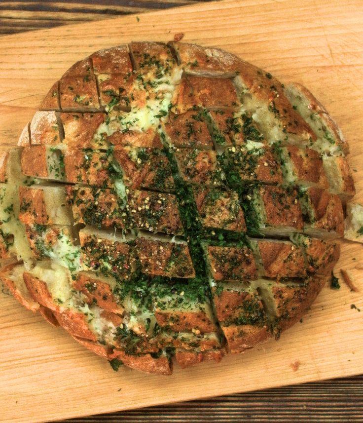 Knoblauch-Käse-Laib