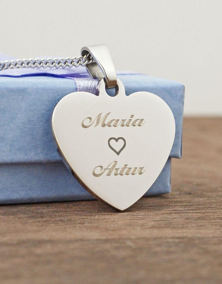 Sydänkoru+tekstikaiverruksella. Yllätä rakkaasi tällä ihanalla sydänkorulla. Tilaa nyt! http://www.korumaa.fi/product/34/sydankoru-tekstikaiverruksella