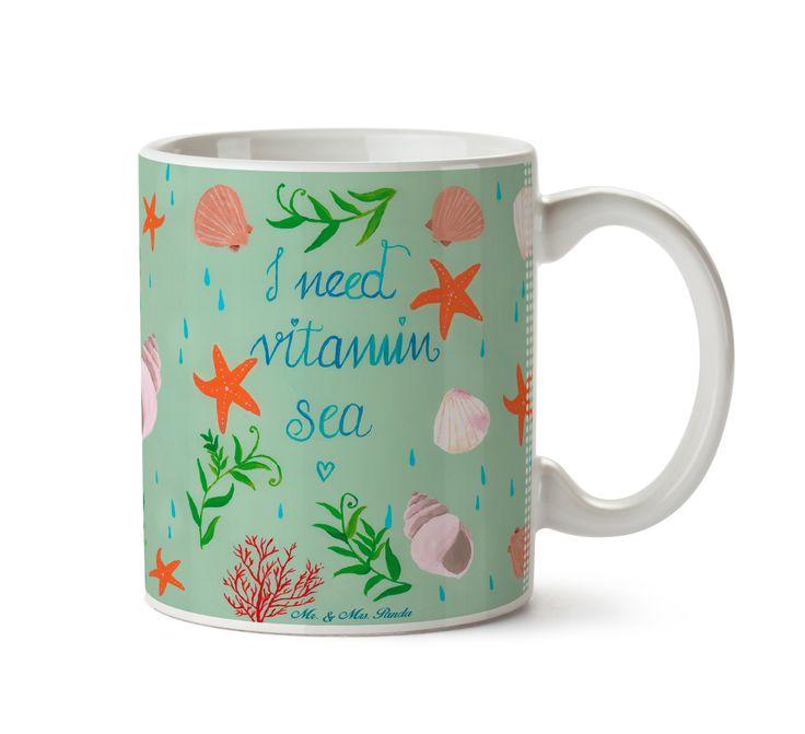 Tasse Vitamin Sea aus Keramik  Weiß - Das Original von Mr. & Mrs. Panda.  Eine wunderschöne spülmaschinenfeste Keramiktasse (bis zu 2000 Waschgänge!!!) aus dem Hause Mr. & Mrs. Panda, liebevoll verziert mit handentworfenen Sprüchen, Motiven und Zeichnungen. Unsere Tassen sind immer ein besonders liebevolles und einzigartiges Geschenk. Jede Tasse wird von Mrs. Panda entworfen und in liebevoller Arbeit in unserer Manufaktur in Norddeutschland gefertigt.     Über unser Motiv Vitamin Sea  Ein…
