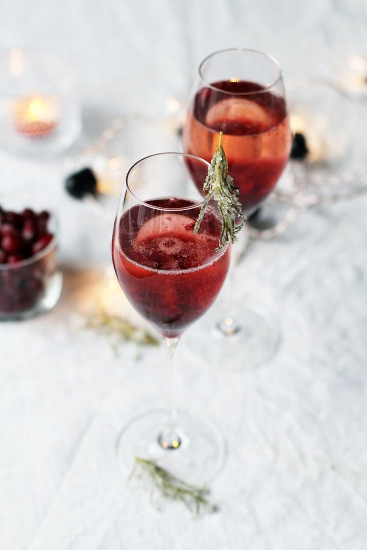 Cranberry & Rosemary Sparkling Cocktail