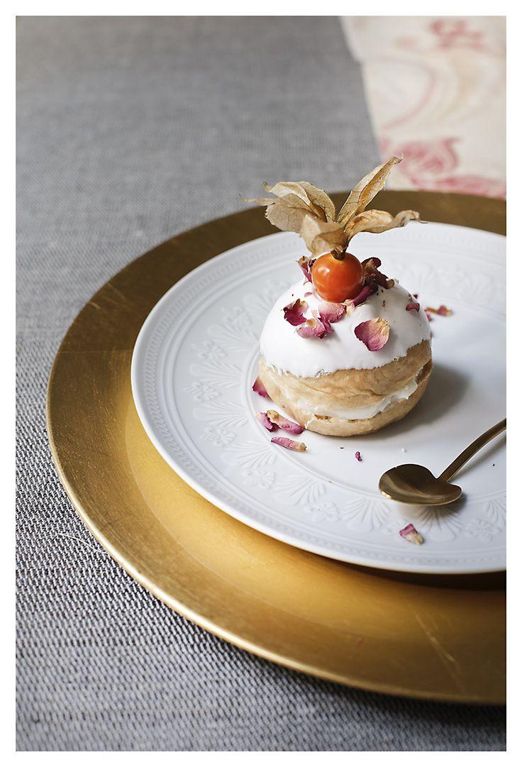 Panecillos aromáticos con blanc-manger inglés de El Oso con Botas