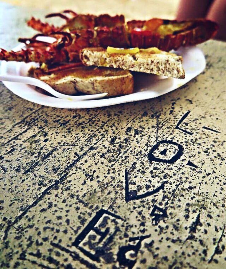 #blogtravel #lunchtime #istangood #food #aragosta #aragostatime #pane #aglio #olio #vitasana #lifefood #lunch #love #pappa #gioia #atavola #goodlife #photooftheday#isla #BeachLife #surfbeach #isola #jamaica #jamaicanfood by karimatouti