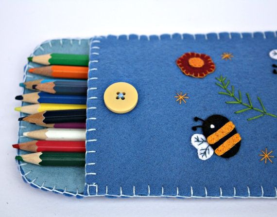 Felt pencil case,handmade pencil case,blue with bees and flowers,childrens pencil case,cosmetics bag,felt make-up case,felt sunglasses case on Etsy, 20,08 €
