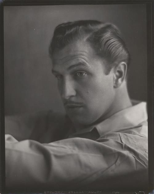 Black and White, Vincent Price, one of the most talented and unique actors of my lifetime. #VincentPrice #houseonhauntedhill