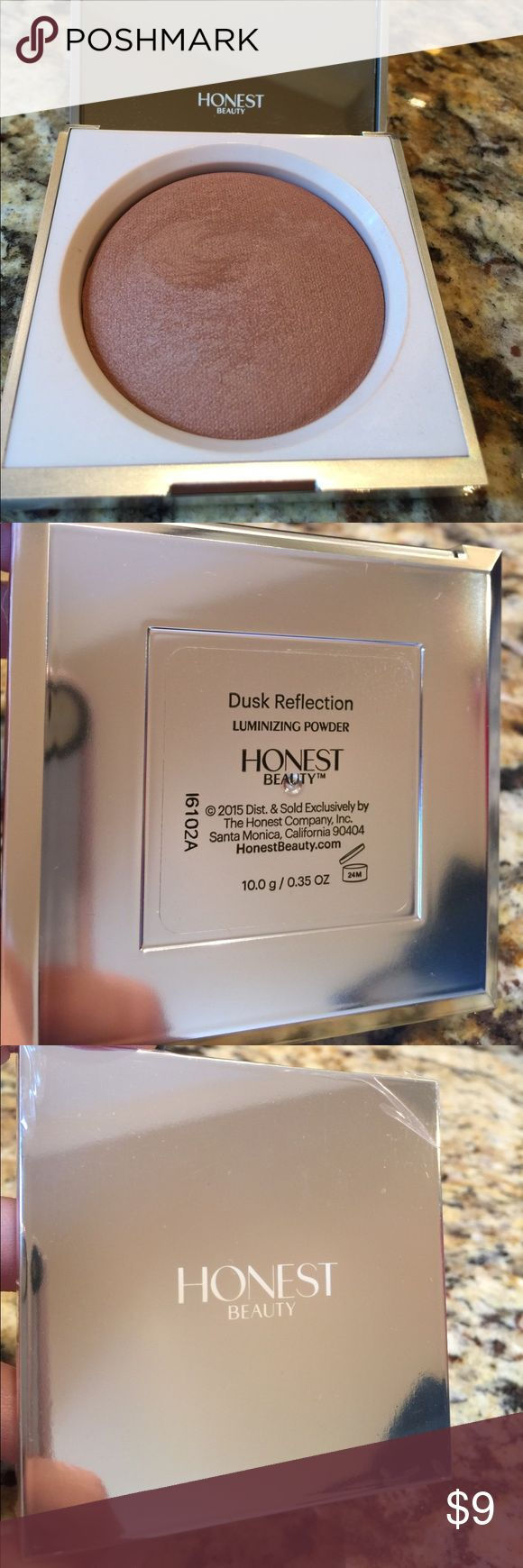 Honest beauty dusk reflection luminizing powder Used once. Lightweight luminizing powder in dusk reflection by Honest beauty. Still has the plastic protection on the top of the case. The Honest Company Makeup Luminizer