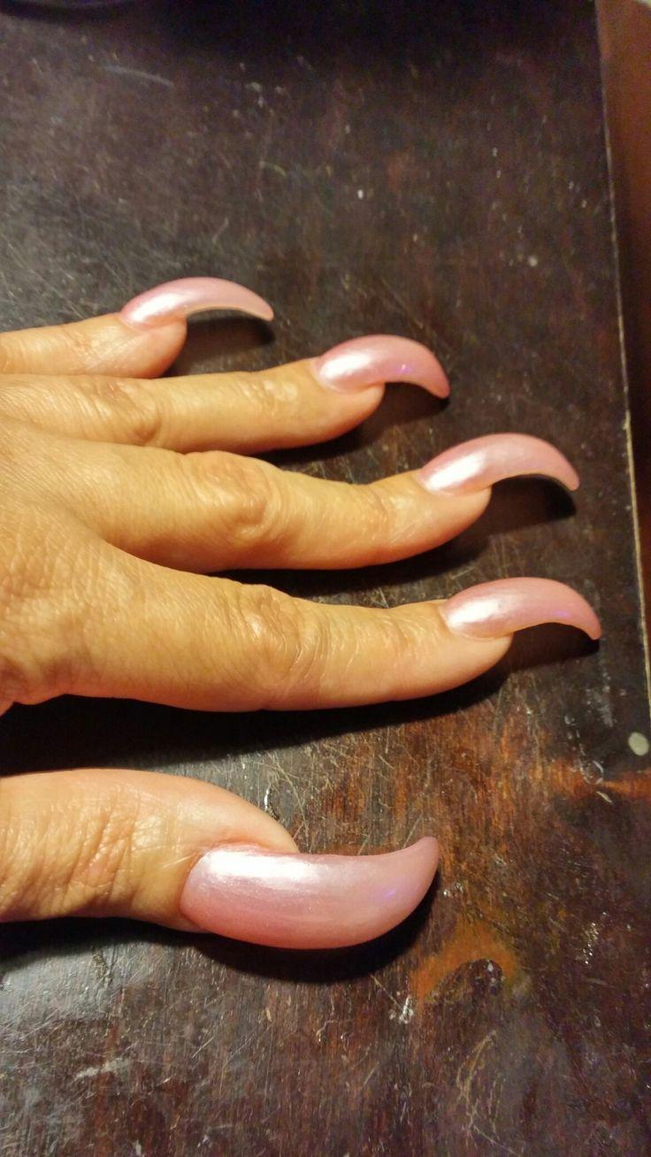 Queen luvs long curve nails