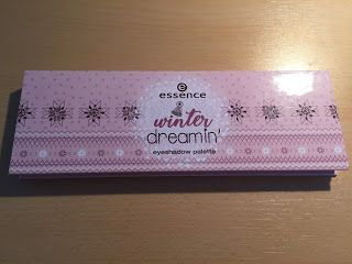 Review Essence Limited Edition winter dreamin' eyeshadow palette 01
