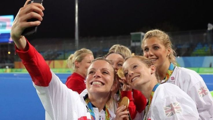 cool Rio 2016 hockey: Kate and Helen Richardson-Walsh celebrate 'special' win - BBC News