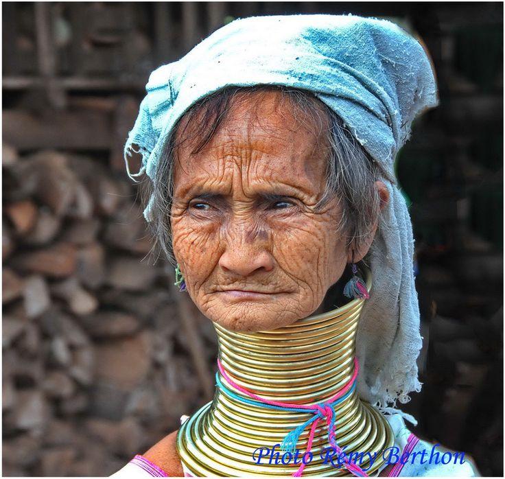 http://grandangles.com/femmes-girafes-de-padaung-nord-de-la-birmanie/
