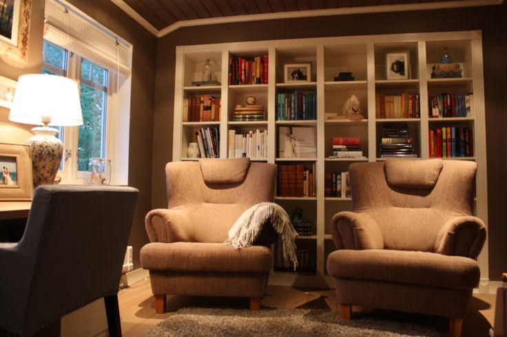 Built-in bookcases (Billy, Ikea). Hjemmekontor. Bokhyller.