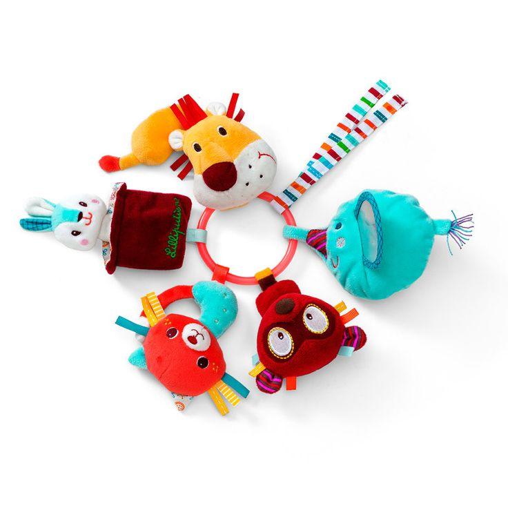 Bestil babylegetøj og barselsgaver online på Lirumlarumleg.dk - Klik ind og vælg mellem mange flotte produkter her. Vi tilbyder gratis gaveindpakning.