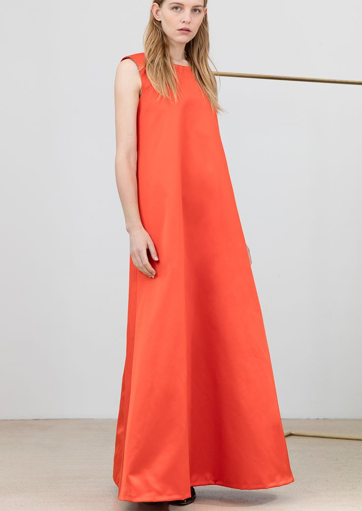 Evening dress in orange-red silk with back slit #simpelthen #purity & #style #handmade in #switzerland