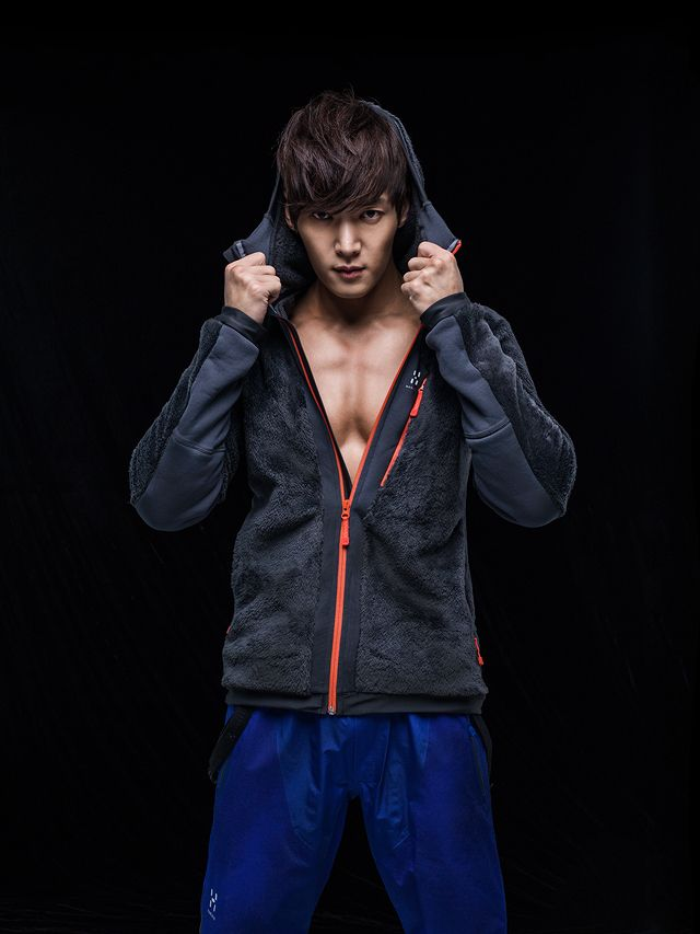 Choi Jin Hyuk 2013 | Choi Jin Hyuk Goes Shirtless For Haglöfs F/W 2013 Campaign | Couch ...