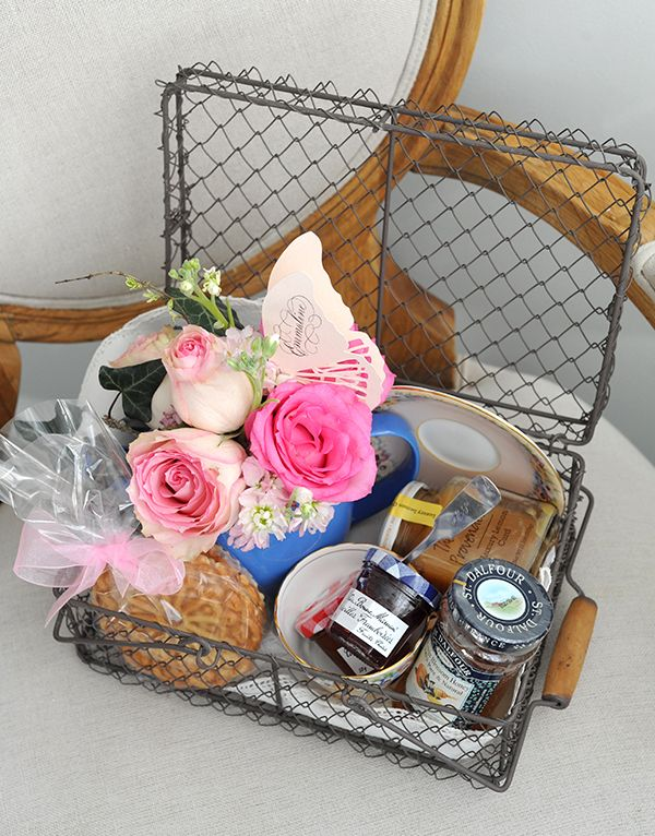 Picnic Basket Gift Diy : Tea for one hostess gift fill a small picnic basket with
