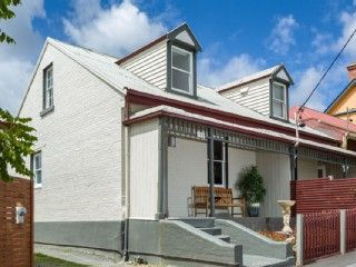 In the Heritage precinct of Hobart, minutes to Hobart City and waterfront. Prices from $250 p/n Sleeps 7. #petfriendly
