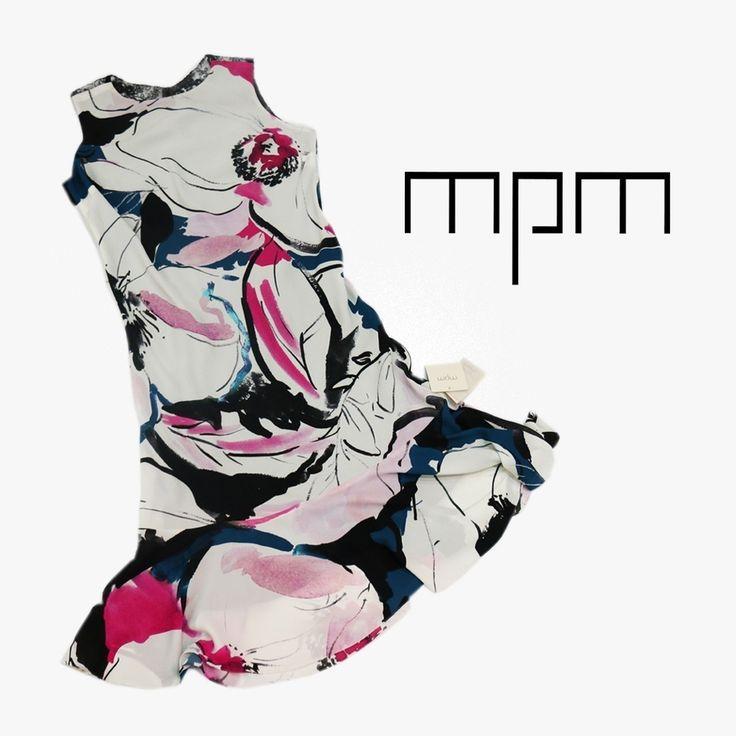 Este vestido estampado floral con aire abstracto es ideal para darle un toque de color a tu look #mpm #design