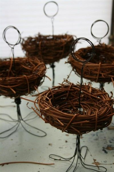 diy birds nest place card holder:  place name card and fill nest with snacks