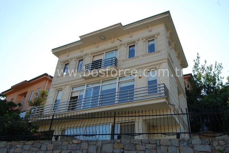 Beylerbeyi Burhaniye'de Yüzme Havuzlu Villa Satılık Müstakil Ev / Villa
