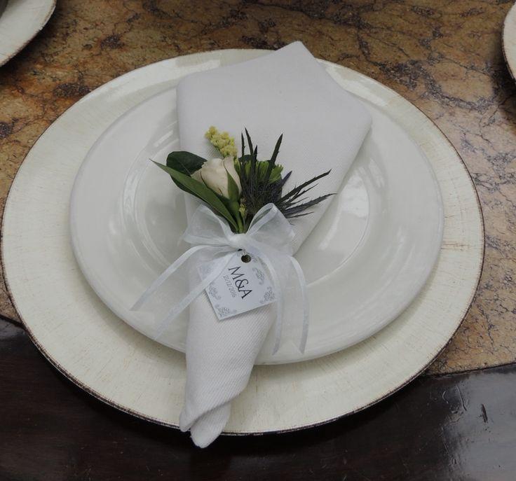 Servilleteros. Contáctanos para cotizar tu boda clientes@lapetala.com.  2159030 Bogotá.