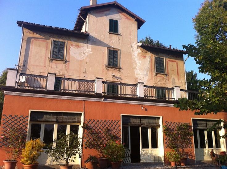 Splendida Brianza, immersa nel verde della Brianza monzese, a due passi dal grande parco della villa reale. Villa del 1800.  www.immobiliareplatinum.it