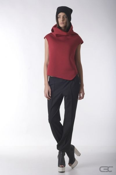 Crepe Black Collar crimson fluffy cotton top abd black loose pants. Check out the online shop for details.