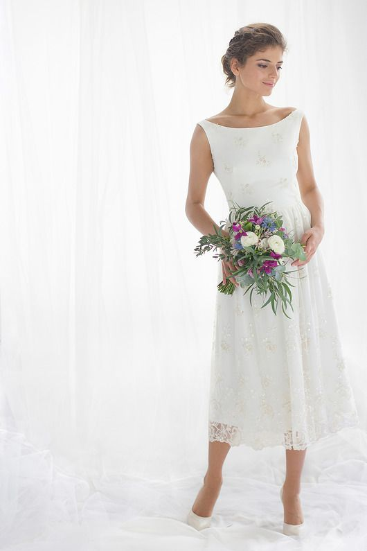 Koronkowa sukienka ślubna retro