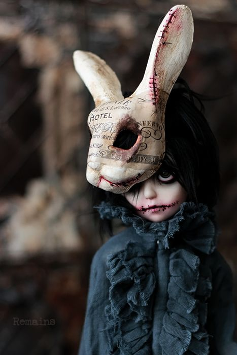 Fantasy | Whimsical | Strange | Mythical | Creative | Creatures | Dolls | Sculptures | Remains bjd — 廃ホテルを彷徨う小さな幽霊