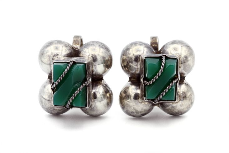 Pebbled Green Onyx Earrings, Antique 1930s Mexican Jewelry, Pre Eagle Screw Back Earring, 925 Sterling Silver, Aztec Ethnic Jewelry, Green Gemstone Earrings, Scalloped Earrings, Frida Kahlo Jewelry, Square Puffy Earrings, Rope Design Earrings, Mexico Earrings, Modernist