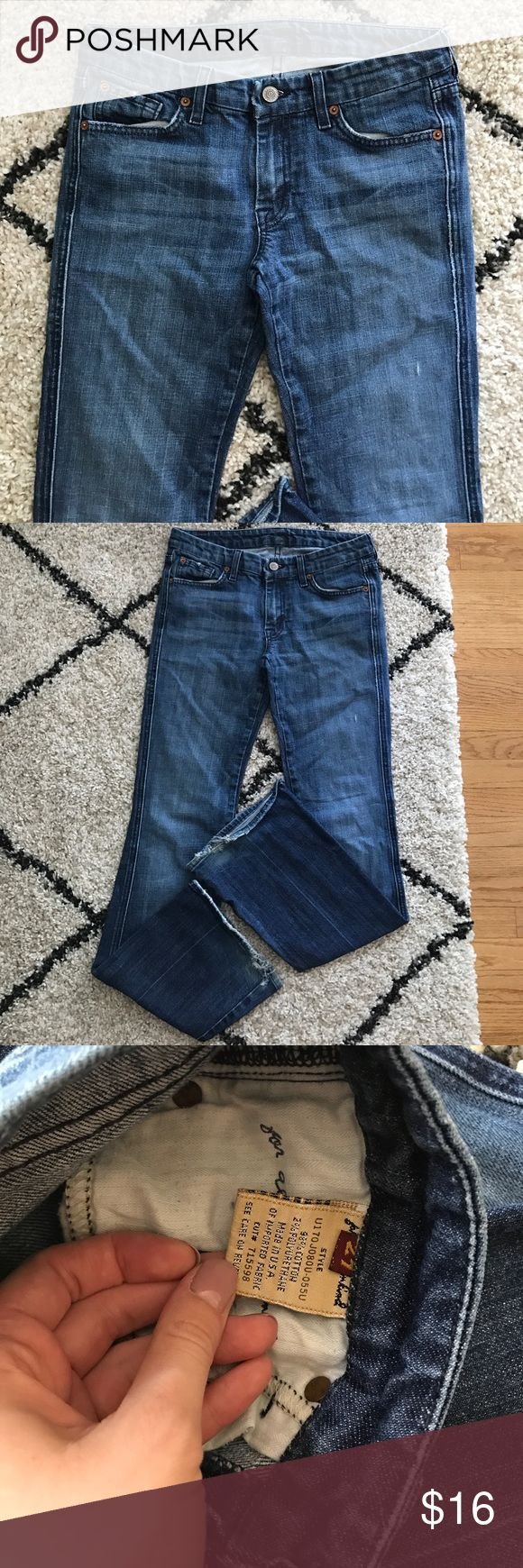 Women's designer jeans! 7 for all mankind women's jeans size 27. Boot cut flare. Good condition! 7 For All Mankind Jeans