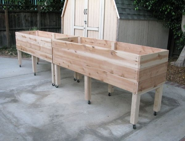 Plans To Make A Elevated Self Watering Garden Bed The