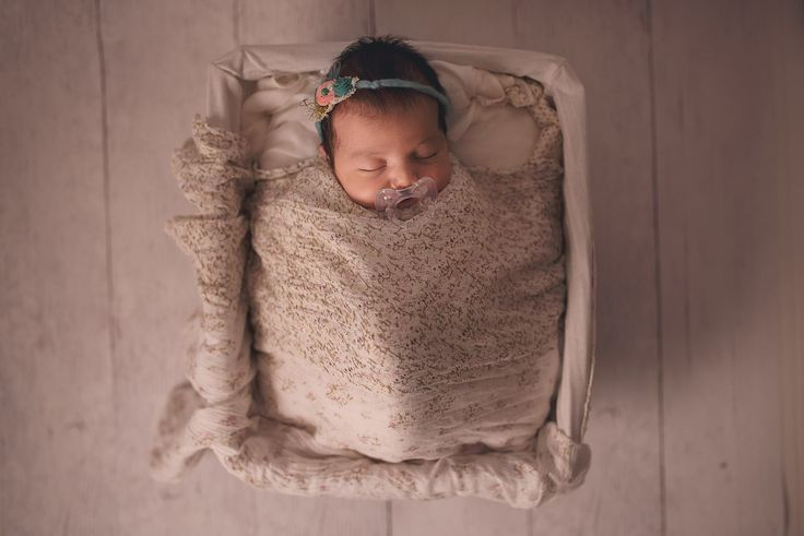 Newborn photography by Andreea Velican