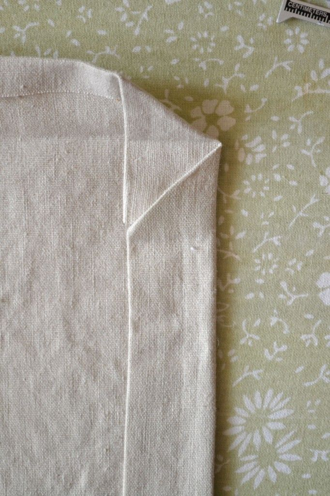 How to make linen napkins *** DO YOU LIKE THIS HEM OR DO YOU PREFER THE THIN EDGING? I ALSO FOUND THAT YOU CAN MAKE NAPKINS FROM SHEETS WHICH I HAVE PLENTY OF NEW 800 PERCALE. I NEED TO TEST DYING AND SEWING TO SEE WHAT YOU THINK!***