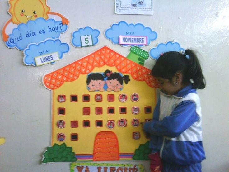 Calendario preescolar: llamativo y funcional!! Excelente idea!!