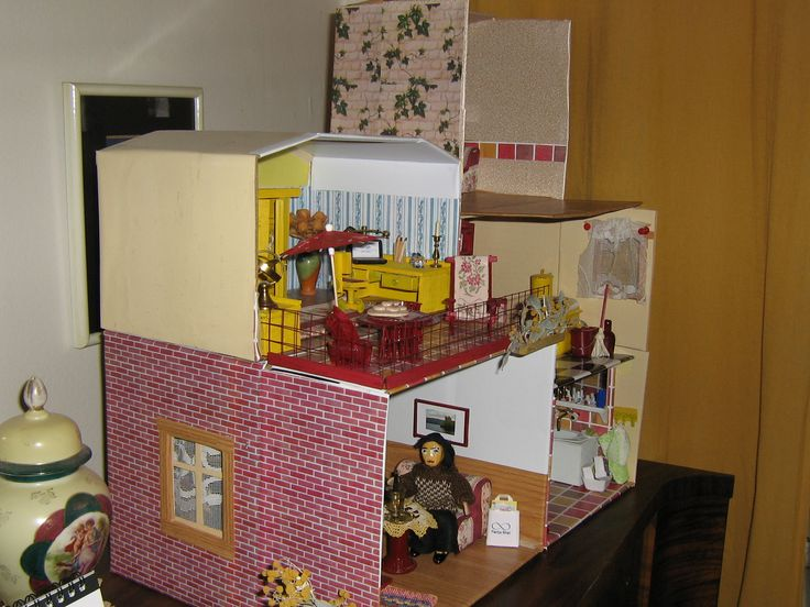 small dollhouse is greater and greater :-)