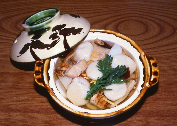 Guzohni(soup containing rice cakes,vegetables,meat,fish,and so on) in Shimabara,Nagasaki pref. Japan:具雑煮、島原の名物  This is a local food of Shimabara. I really love this!