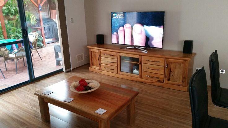 Timber Impressions Platinum laminate flooring - colour: Blackbutt