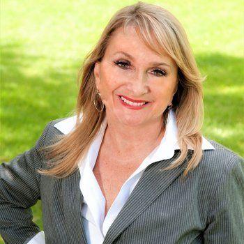 Elaine Pippi - Team Lead of the Elaine Pippi Team/Sales Representative