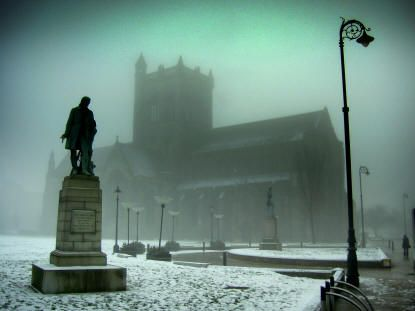 PAISLEY ABBEY IN DEEP MID-WINTER