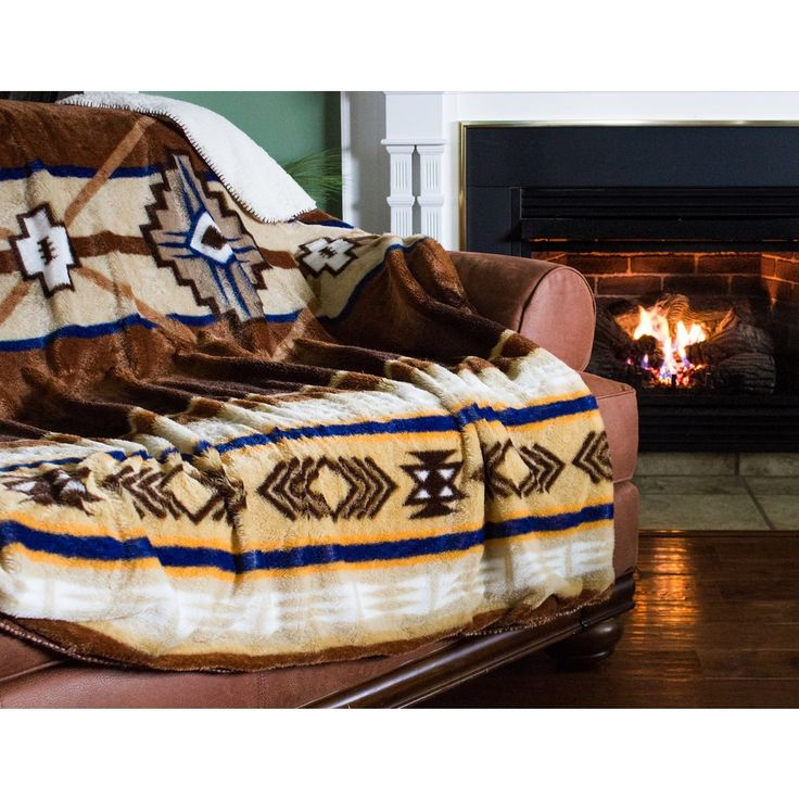 Oversized Southwestern Throw with Sherpa Reverse - Free Shipping On Orders Over $45 - Overstock.com - 19150465 - Mobile