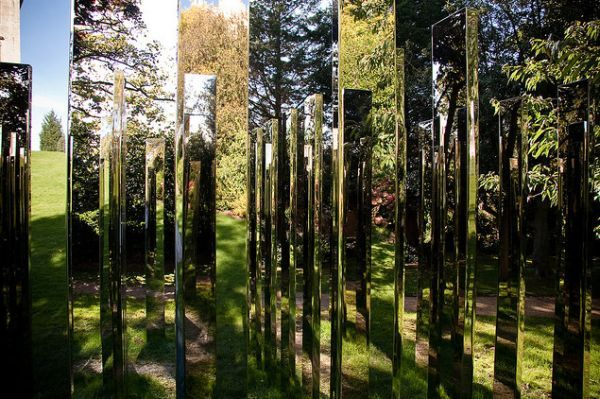 Mirror Art: 3 Mesmerising Examples of Interactive and Reflective Sculptures