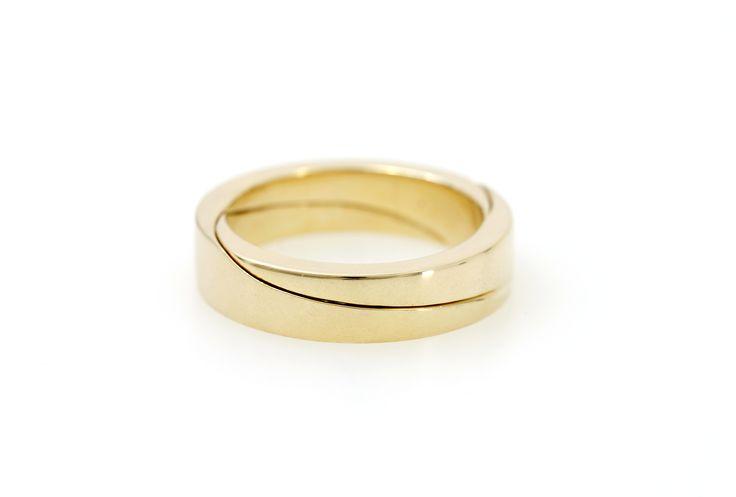 Aion - ein klassisches Ringprofil mit einer feinen Linie.