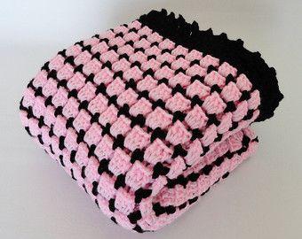 Bebé de color rosa y negro manta ganchillo afgano, manta de cuna ropa de cama, regalos de bebé, abuela Plaza bebé afgano, afgano de vuelta, Baby Doll manta
